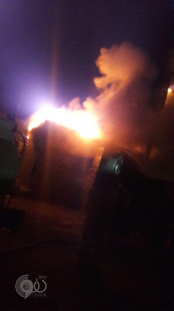 """عاجل .. الأهالي بمساعدة """"وايتات خاصة"""" يُخمدون حريقاً ضخماً شبّ في أحد المنازل بمركز الحقو -فيديو وصور"""