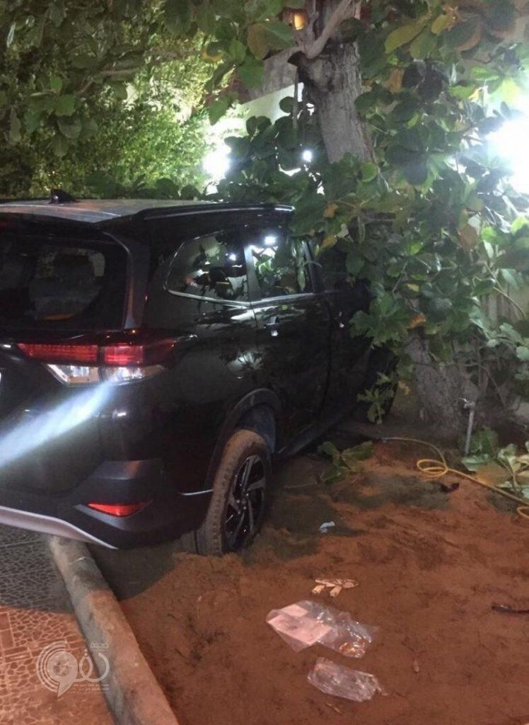 فتاة سعودية تقتل أمها المسنة في حادث مأساوي بجازان.. صور