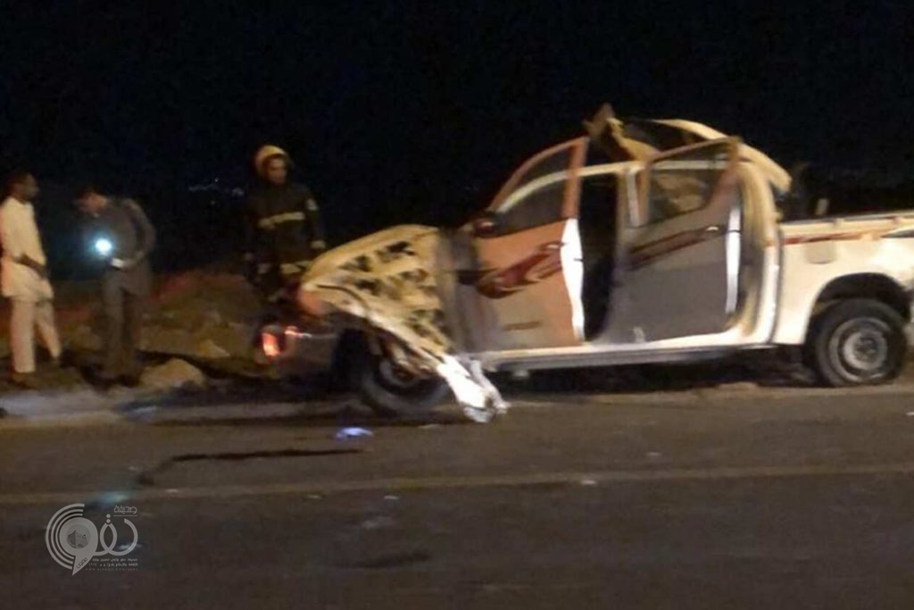 مصرع شخصين في حادث مروع على الطريق الدولي صبيا – بيش.. فيديو وصور