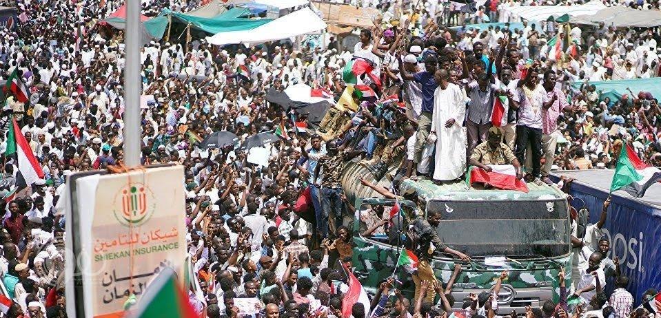 بعد الإطاحة بالبشير.. محاولة انقلاب جديدة في السودان بسبب هذا القرار!