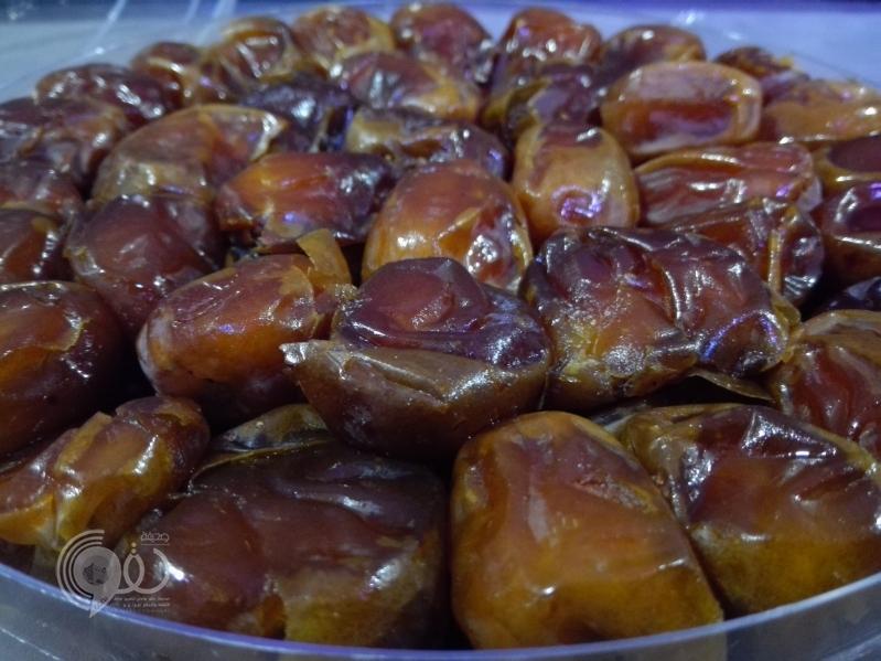 رمضان يرفع أسعار التمور في أسواق جازان