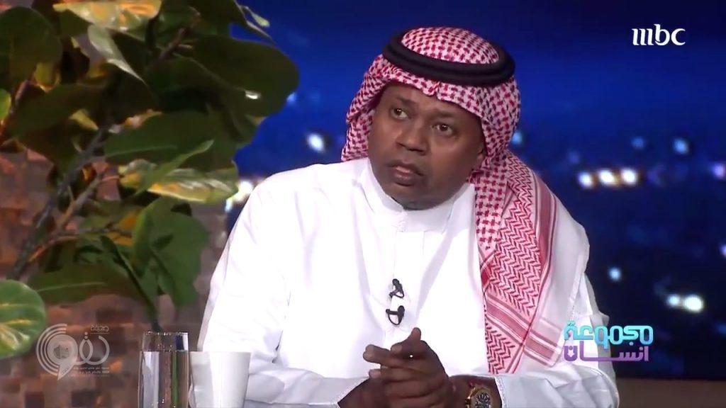 شاهد.. مقطع فيديو يجمع العويران بعدد من الفنانات في مطعم بالرياض واللاعب يرد
