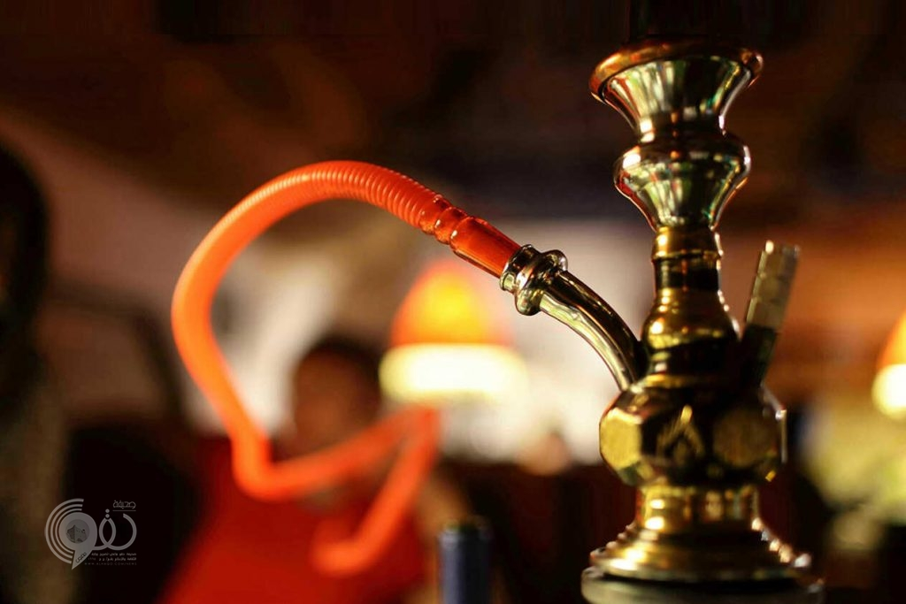 تفاصيل ضوابط ورسوم تراخيص المقاهي والمطاعم لتقديم الشيشة والتبغ داخل وخارج المدن