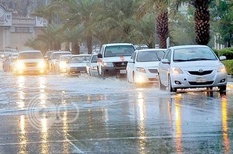 جازان تشهد هطول أمطار وغبار لأكثر من 8 ساعات