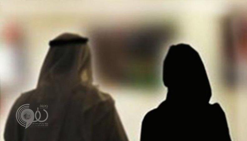 """شاب يتهم زوجة أبيه بالخيانة.. """"الله يستر لا تحمل من صديقها""""!"""