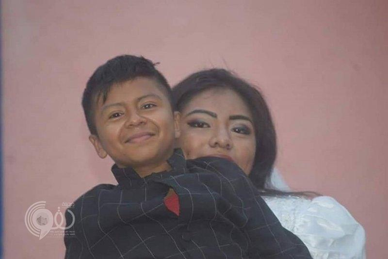 شاهد زفاف امرأة وطفل بالمكسيك.. والسر مأساوي
