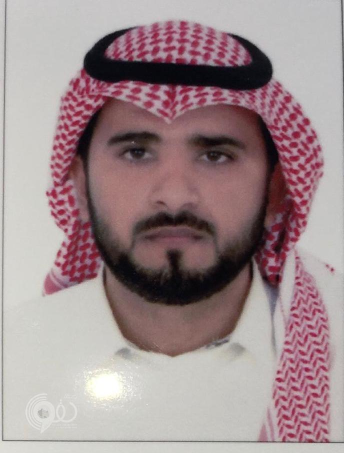 """الشيخ """"أحمد الحقوي"""" معرفاً لقبيلة آل مؤيد بمركز الحقو خلفاً لوالده"""