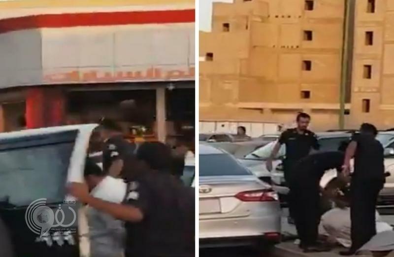 بالفيديو والصور.. لحظة القبض على شخصين ظهرا يعتديان بالضرب والطعن على رجل بخط الساحل في مكة!