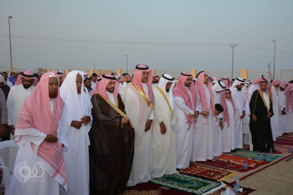 """رئيس مركز الجعافرة """"العقدي"""" يتقدم المصلين ويستقبل المهنئين بعيد الفطر المبارك"""