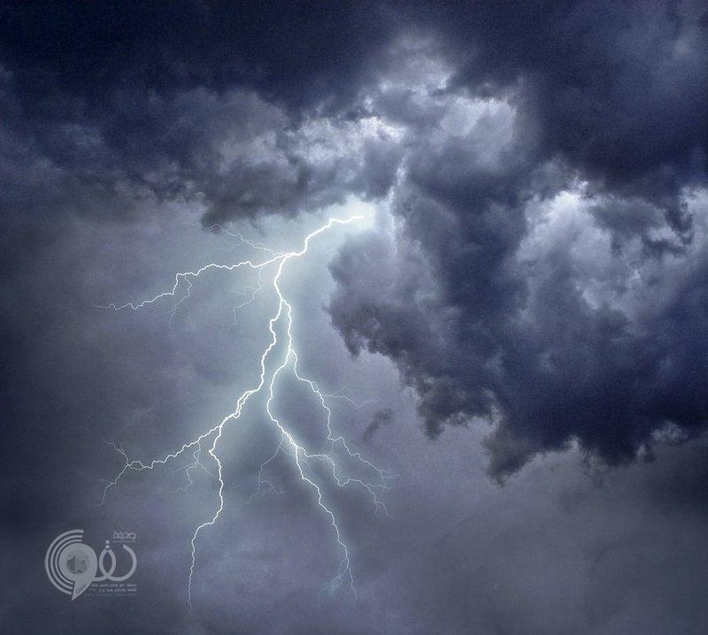 """""""الأرصاد"""" تنبه لهطول أمطار وبرد ونشاط بالرياح السطحية على جازان"""