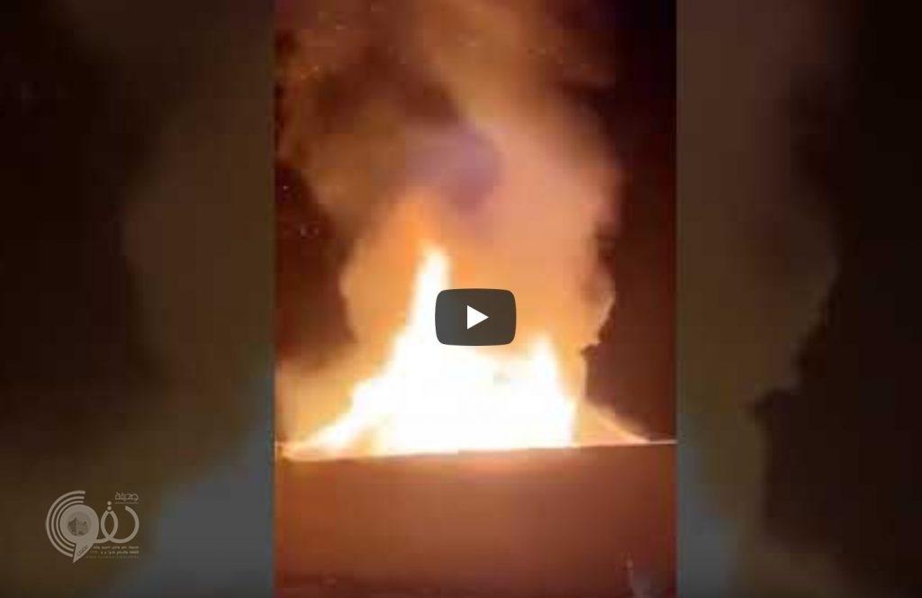 شاهد بالفيديو حريق مخيف بأحد الإستراحات بسبب الألعاب النارية