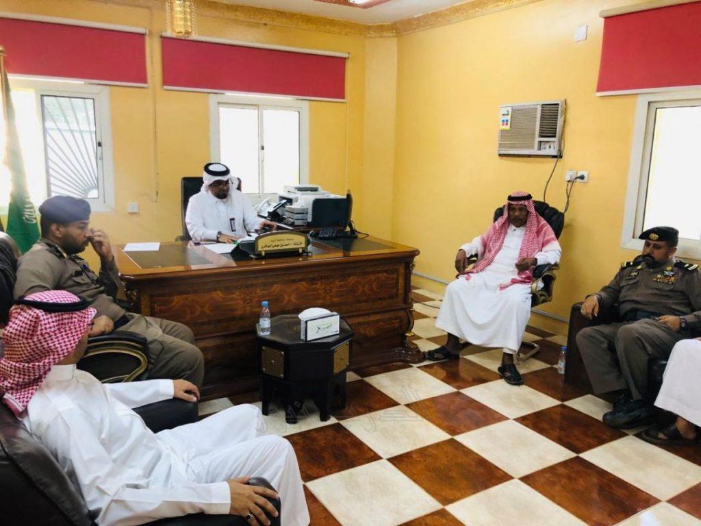 شاهد بالصور | محافظ الريث أبو قرن يعقد إجتماعاً ويستعرض خُطط الإحتفال باليوم الوطني ٨٩