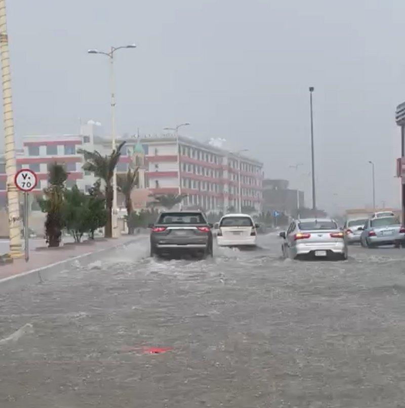 انهمر المطر  على جازان فانكشفت الحقيقة.. السكان: أين الـ 500 مليون؟