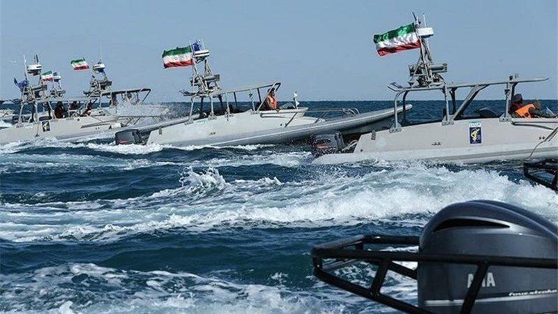 بزعم تهريب وقود.. إيران تحتجز سفينة في مياه الخليج