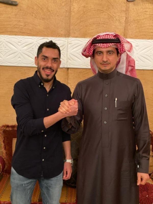 """في رابع صفقاته الشتوية.. عبدالعزيز الدوسري """"نصراوي"""" لمدة عام ونصف"""