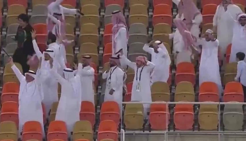 """أنباء عن إعفاء مدير ملعب """"الجوهرة"""" بعد رصد حضور جمهور في مباراة الاتحاد والوحدة"""