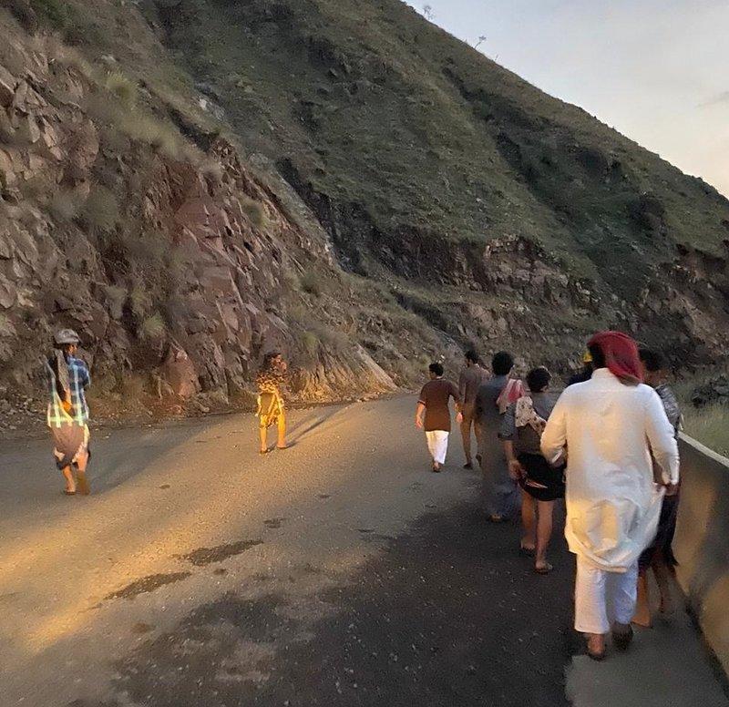 محافظة الريث : مصرع عامل آسيوي جرّاء إنهيار صخري على طريق جبل القهر – تفاصيل