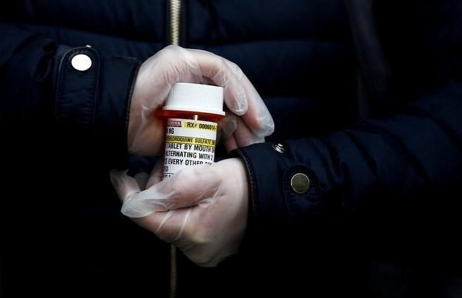 """إسرائيل تخزن """"الدواء المعجزة الذي سيقضي على كورونا"""" !"""