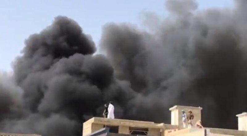 تحطم طائرة الخطوط الباكستانية قرب مطار كراتشي.. تُقِل 107 أشخاص