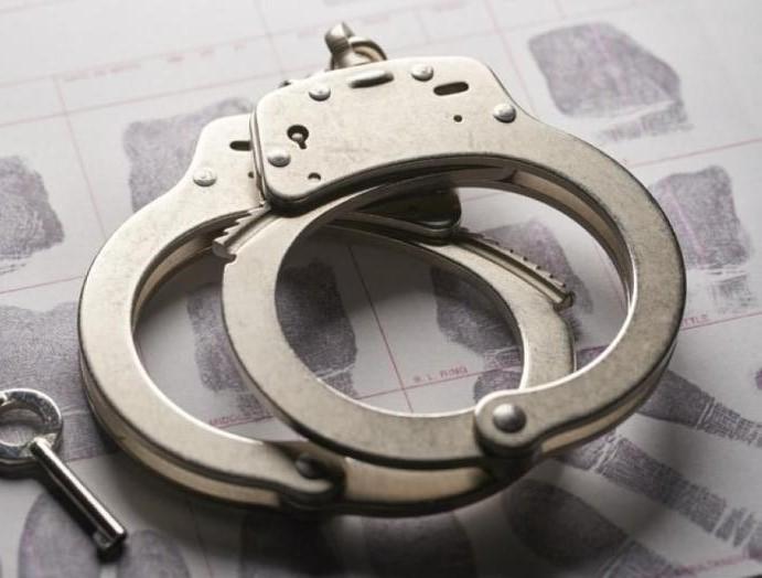 انتحلوا صفة رجال أمن واحتجزوا أسرة وسرقوا مبلغ ضخم .. تفاصيل القبض على 8 جناة بالرياض والكشف عن جنسياتهم