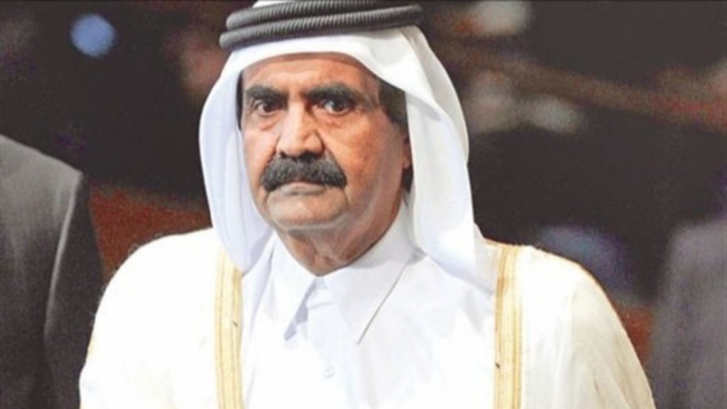 رئيس عربي سابق يواجه تهمة الخيانة العظمى بعدما أهدى جزيرة لقطر