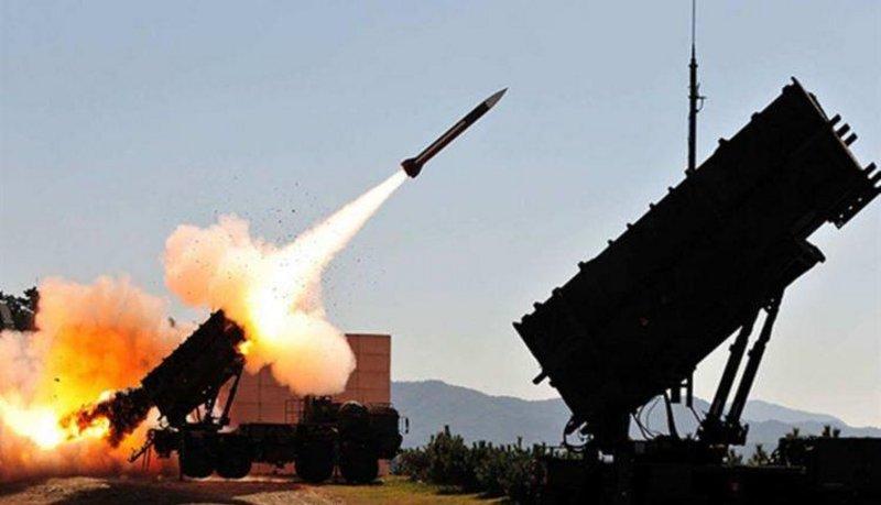 """""""التحالف"""": اعتراض وتدمير صاروخَيْن باليستيَّيْن و6 طائرات بدون طيار """"مفخخة"""" أطلقتها الميليشيا الحوثية باتجاه المملكة"""