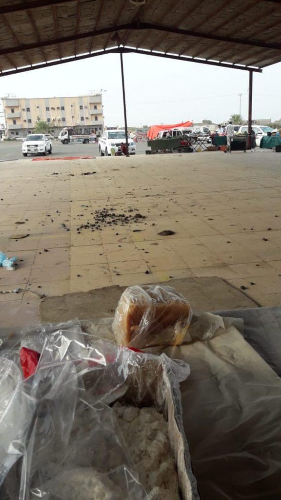 غياب النظافه وقلة الإهتمام في سوق الحقو الشعبي مع بدء إعادة تشغيله – فيديو