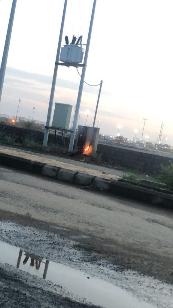 مركز الحقو : مواطنون يُخمدون حريق عدّاد كهرباء بالقرب من الحديقة