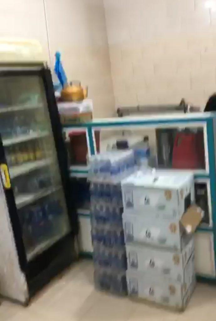 فيديو مُتداول : مواطن يتحدث عن غياب الاجراءات الاحترازية بأحد البوفيهات في مركز الحقو