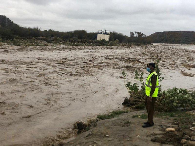 أمطار العيد تغرق 106 منازل و42 سيارة وإيواء 47 شخصًا بجازان