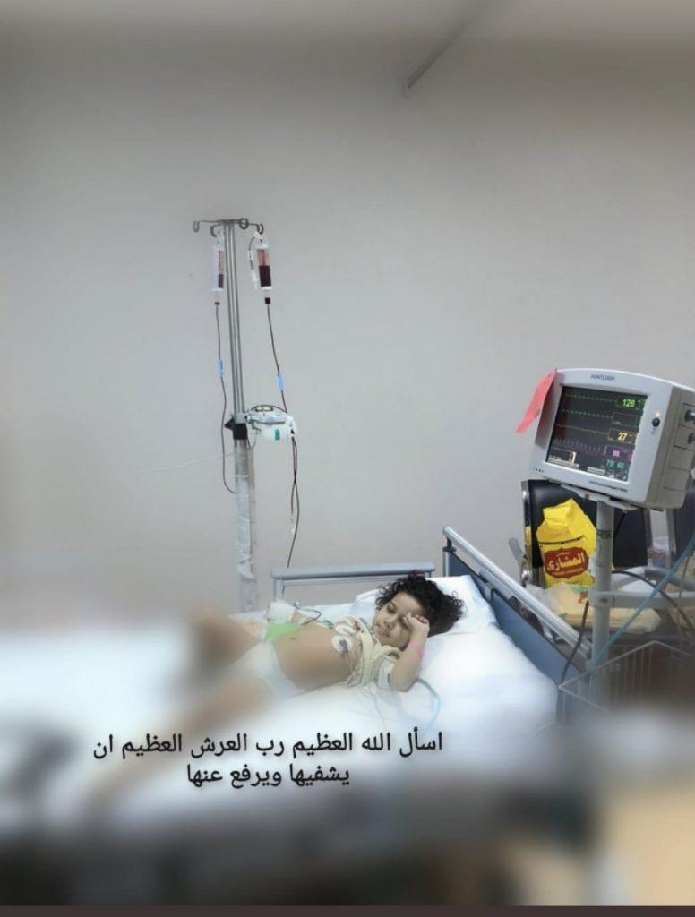 هاشتاق #الطفله_فاطمه_بحاجه_للعلاج يحكي معاناة طفلة الأربع أعوام مع سرطان الدم
