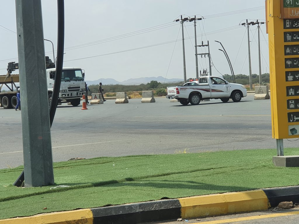 شاهد إغلاق تحويلة حديقة الأمير محمد بن ناصر في مركز الحقو – صورة