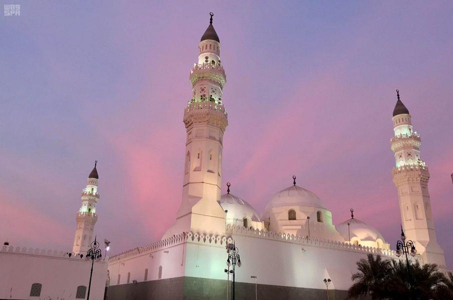 وزير الشؤون الإسلامية يوجه بفتح مسجد قباء من قبل الفجر إلى بعد العشاء