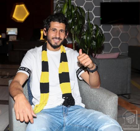 شاهد.. المحترف المصري أحمد حجازي يصل جدة للانضمام إلى فريق الاتحاد