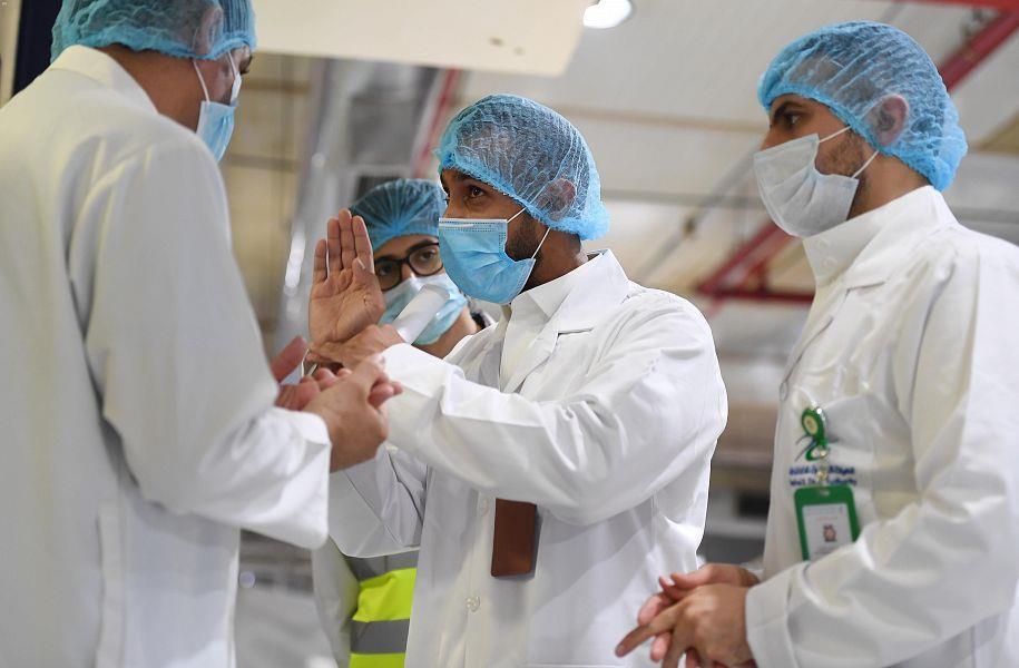 حالات نادرة.. استشاري أمراض معدية يكشف ظروف الإصابة بكورونا مرتين