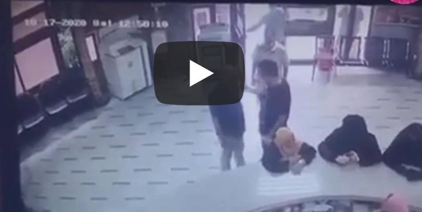 شاهد : مشاجرة عنيفة بين مدير مدرسة وأحد أولياء الأمور داخل مدرسه