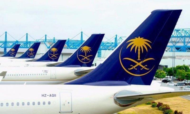 """""""الخطوط السعودية"""" تدعو المسافرين للحضور إلى المطار قبل ساعتين من موعد الإقلاع"""