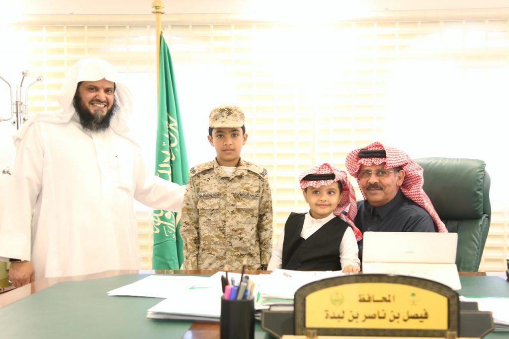 شاهد بالصور محافظ محافظة الريث يُدشّن فعاليات إحتفاء المكتب ومدارسه بذكرى البيعه السادسه