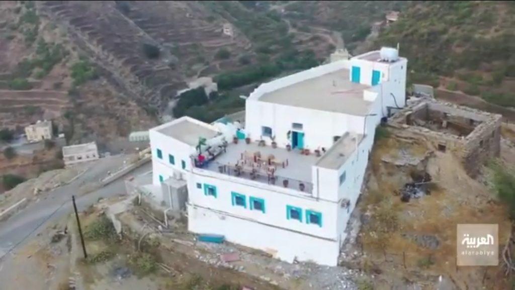 """فيديو : """"سارة المالكي"""" تملك أول مشروع ريفي بمحافظة الداير بمنطقة جازان"""