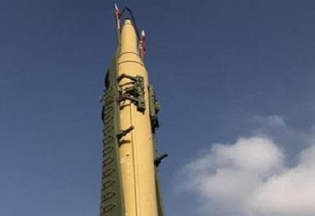 شاهد.. لحظة انفجار صاروخ باليستي حوثي في صنعاء بعد فشل إطلاقه باتجاه المملكة وسقوط عشرات القتلى