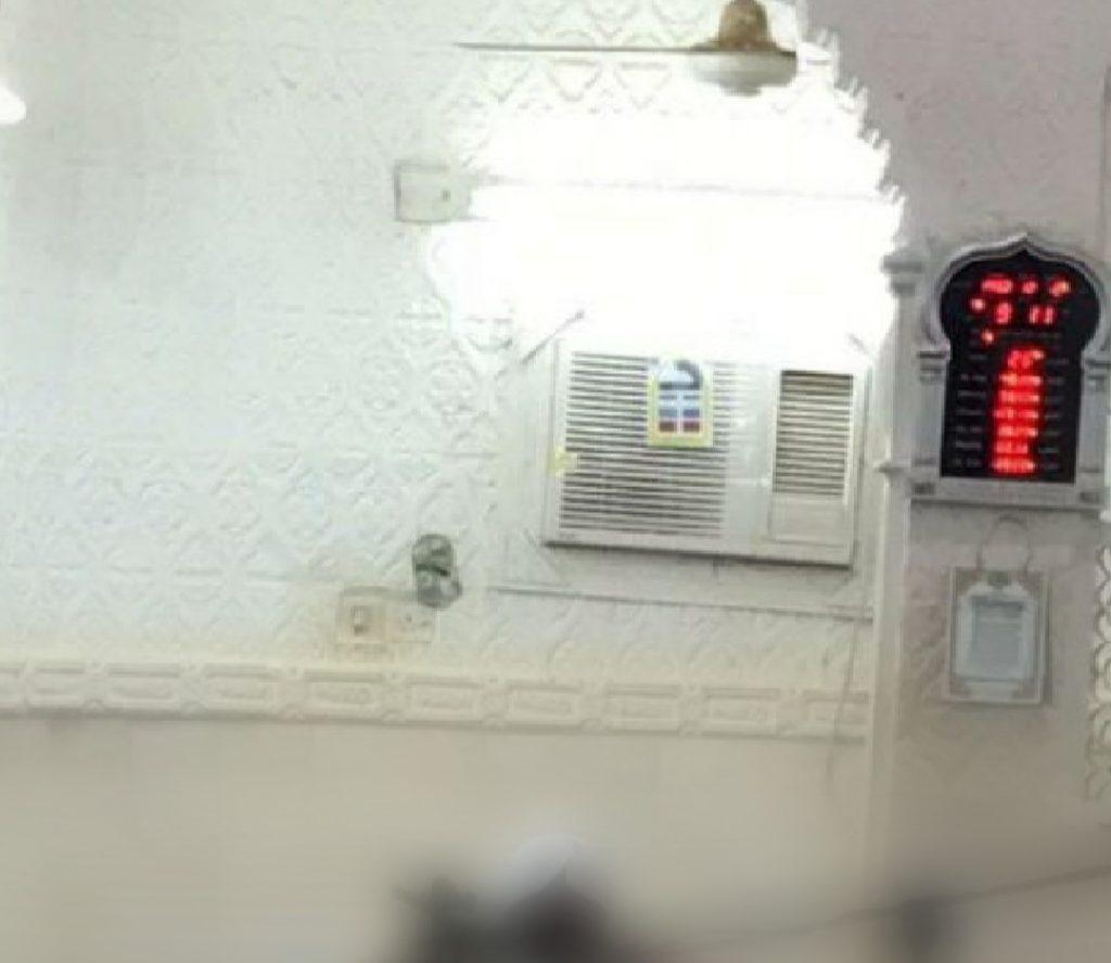 عاجل   إيقاف الصلاة في جامع العيدابي بمركز الحقو حتى إشعارٍ آخر