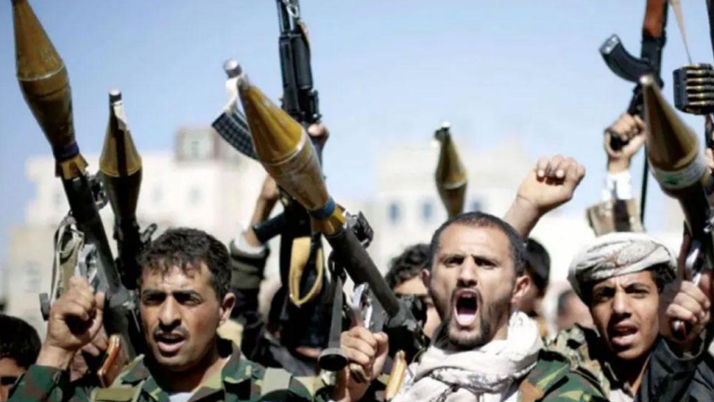 الحوثيون يقتحمون مستشفى باليمن ويعدمون مريضًا بالرصاص
