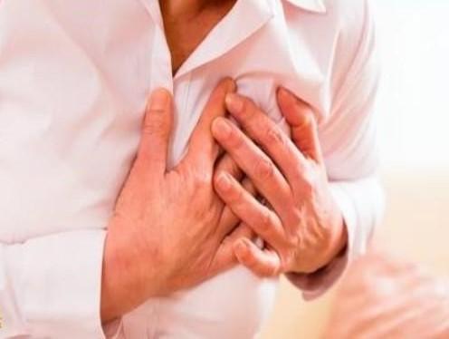 علامة تحذير مقلقة في معدتك لاحتمال النوبة القلبية!