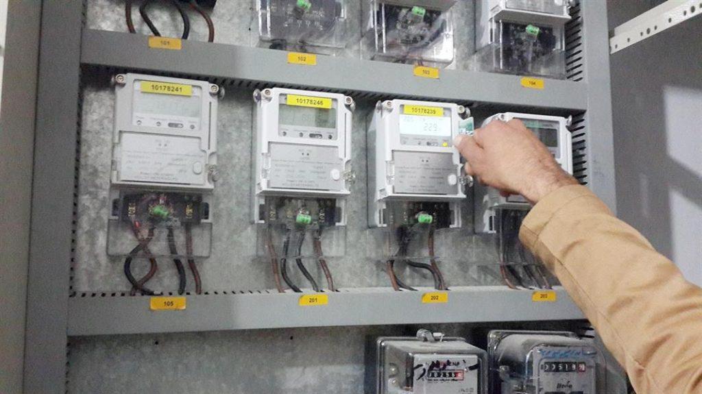 تعرّف على شروط الاستفادة من خدمة إدخال التيار الكهربائي للمنازل دون صكوك