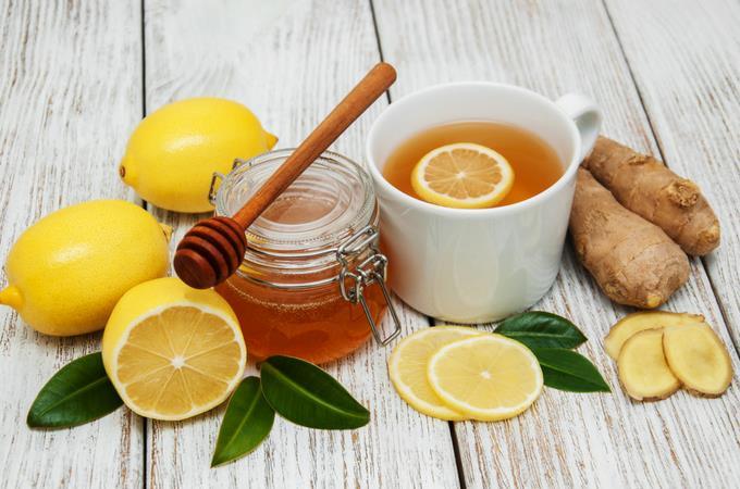 مع مراعاة عدم الإفراط.. 4 فوائد رئيسية لشرب الزنجبيل والليمون قبل النوم