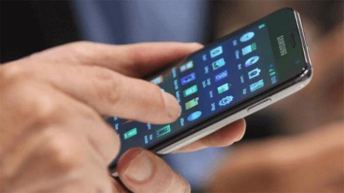 هاتفك سقط في الماء.. إليك 5 خطوات لإنقاذه من التلف (صور)