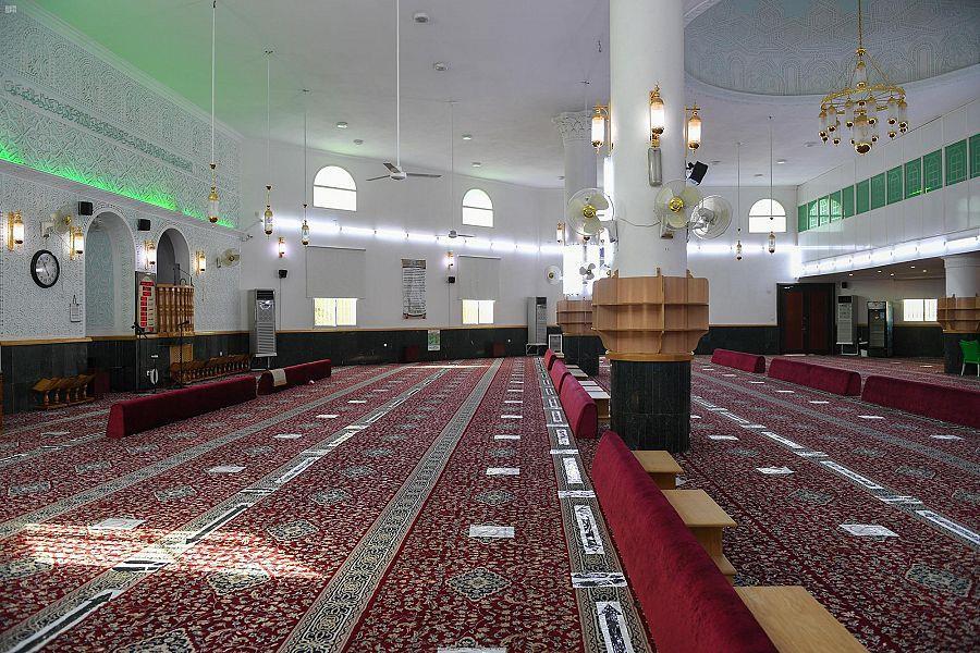 """""""الشؤون الإسلامية"""": إغلاق 8 مساجد مؤقتًا في 5 مناطق بعد ثبوت 8 حالات كورونا"""