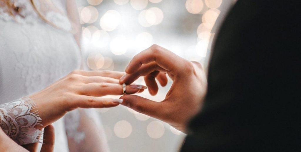رجل يخدع سيدة أعمال تزوجها كمسيار ويستولي منها على 2.5 مليون ريال