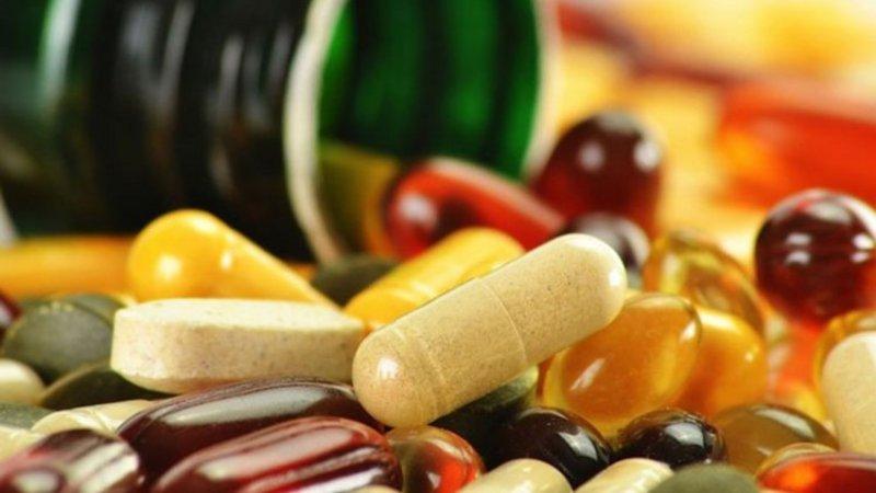 فيتامينات السعادة.. 5 مكملات غذائية ضرورية تجعلك بمزاج أفضل