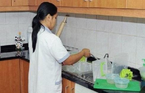 """""""الفلبين"""" تضع شروطاً جديدة لاستقدام العمالة المنزليه أبرزها إجازة أسبوعية وهاتف حديث"""